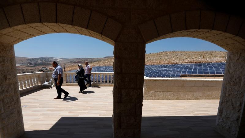Palestinians turn to sun to reduce power shortfall