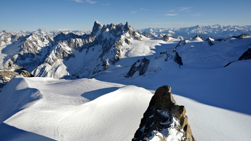 INSIGHT: Mountaineer sets new speed record