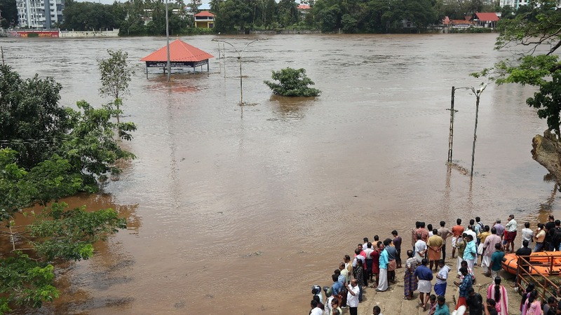 Rain eases but danger remains in India flood