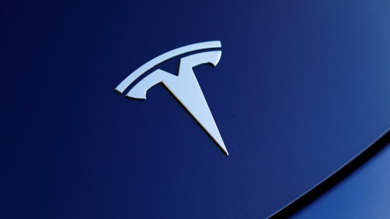Growing skepticism on Tesla's plan to go private