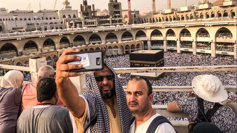 INSIGHT: Haj pilgrims 'stone the devil'