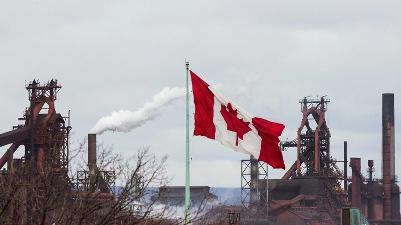 Canada rejoins NAFTA talks as deal deadline looms