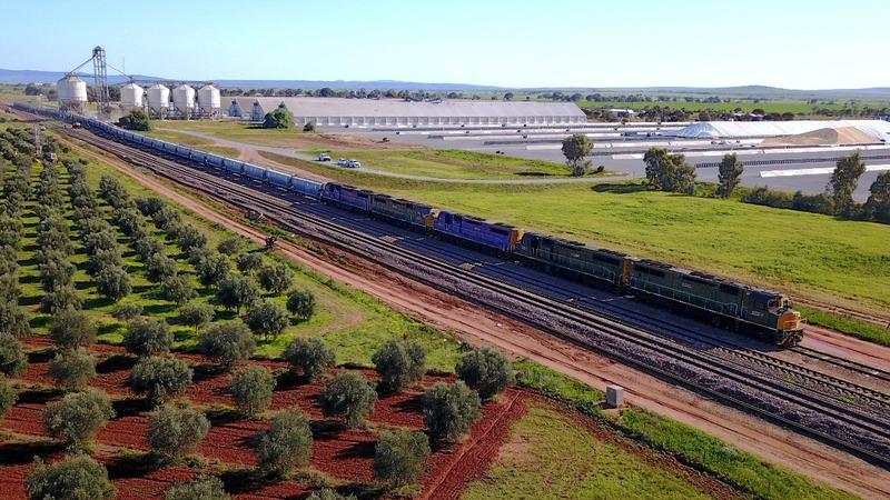 Grain trains bring relief to Australian farmers
