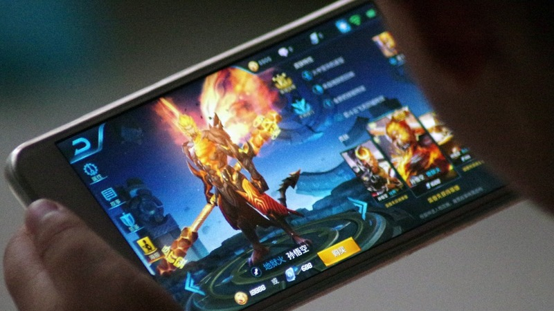 Tencent drops $20 bln after gaming rule change
