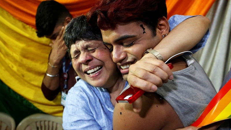 India decriminalizes gay sex