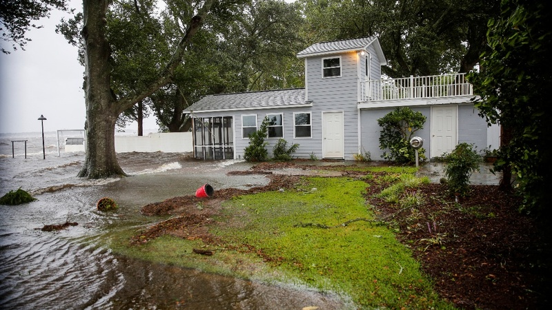 Hurricane Florence makes landfall, set to deluge Carolinas