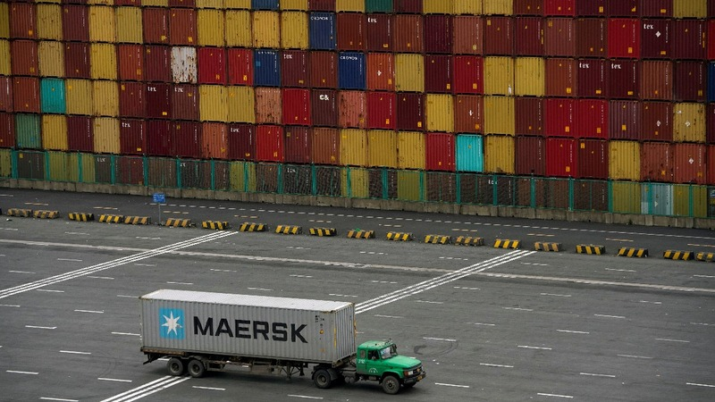 Trump defiant on tariffs as China strikes back