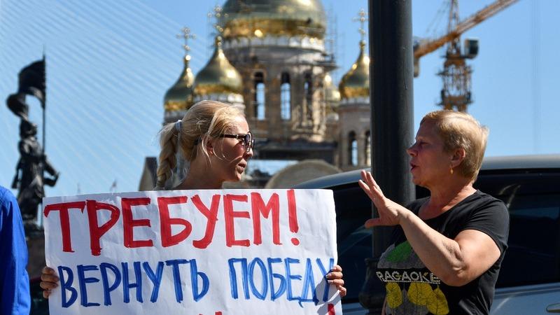 Kremlin dealt rare blow in ballot-stuffing scandal