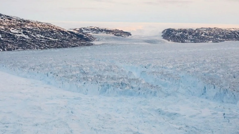 Rarely seen Greenland glacier collapse