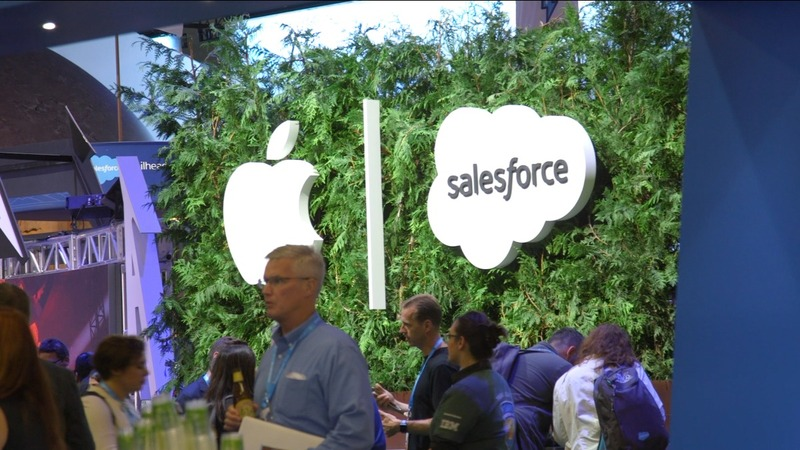 Salesforce recruits Apple's Siri for its App