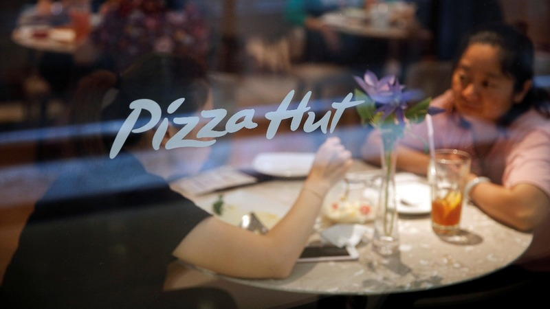 Pizza Hut puts on a posh new look in China