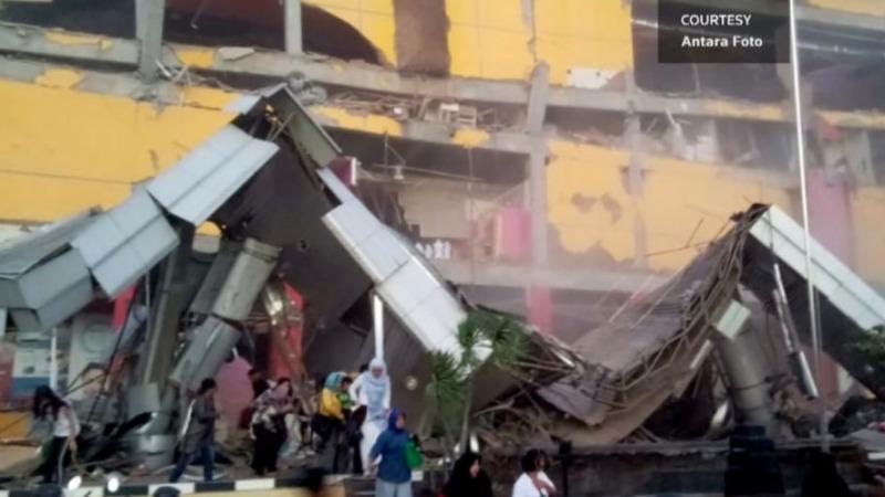 Major Indonesia quake, tsunami kills at least 384
