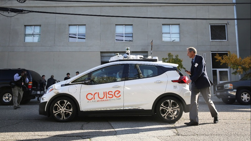 Honda invests $2bln in GM self-driving car unit
