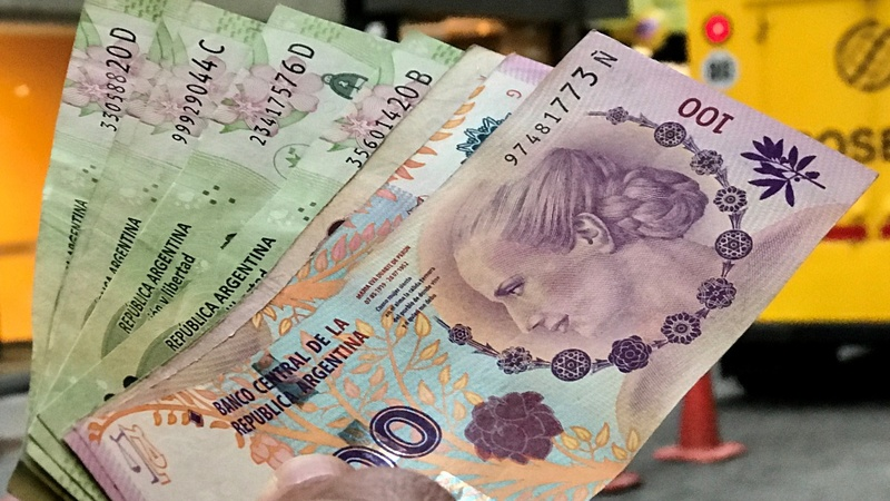Argentine peso facing tough end of year