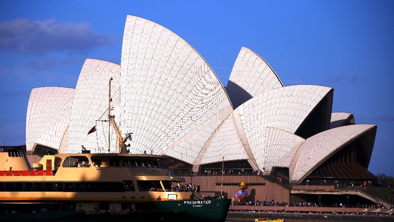 Sydney Opera House racing advert sparks protests
