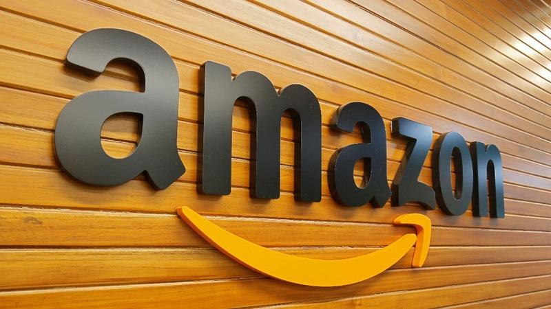 Amazon scraps gender-biased recruiting tool