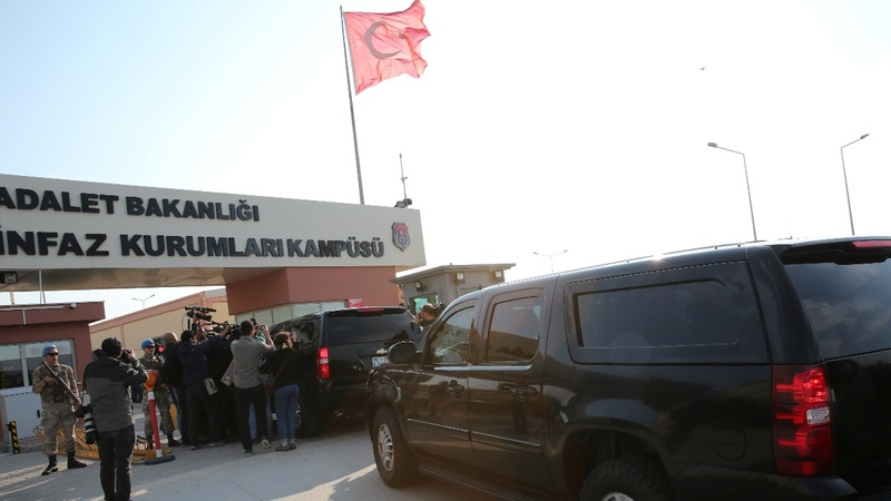 Turkey frees U.S. pastor, easing diplomatic spat
