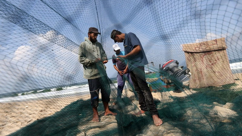 Gaza fishermen struggle as Israel reduces fishing zone