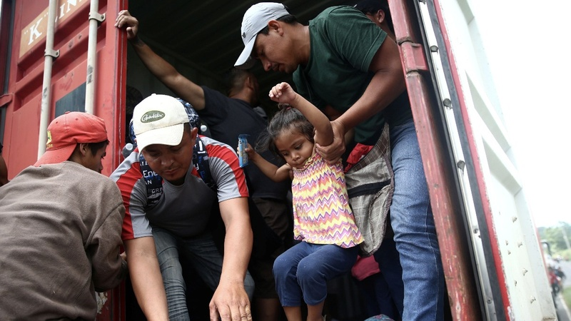 Pompeo warns of 'crisis' as caravan hits Mexico