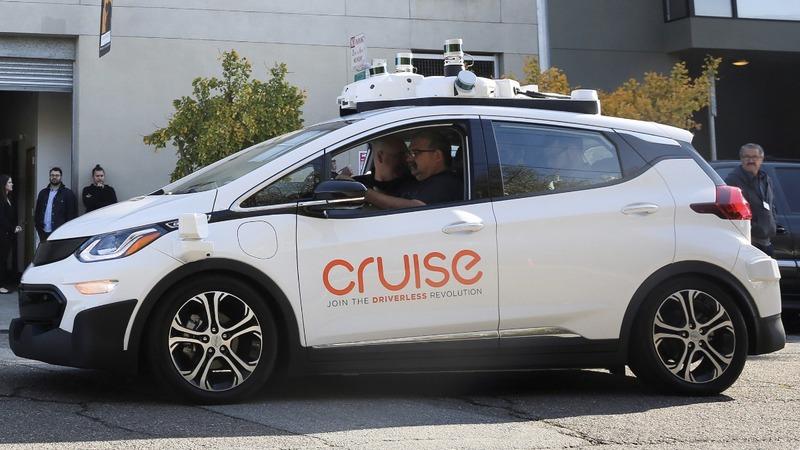 GM running behind 2019 driverless target -sources