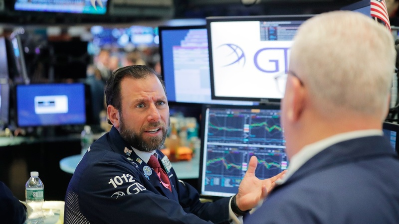 Wall St. whipsawed by fresh trade worries