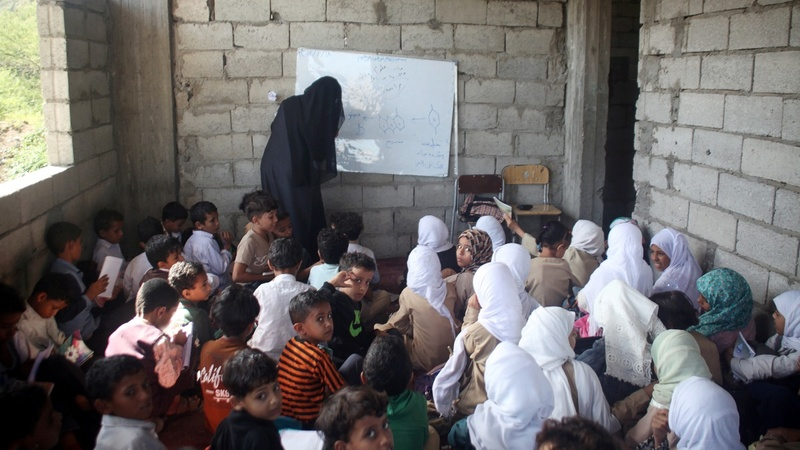 Yemeni teacher turns his home into school