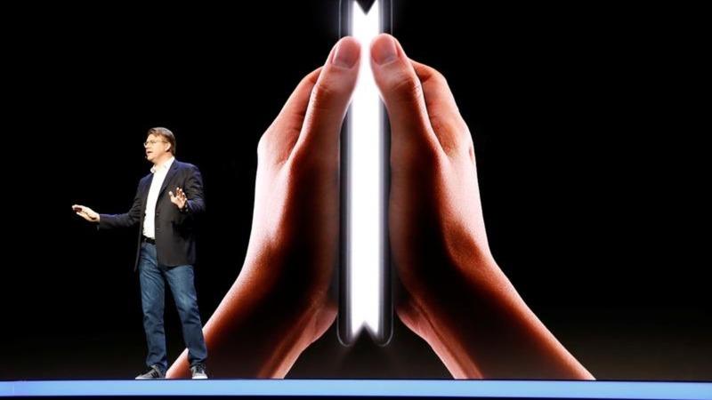Samsung unveils a flexible phone prototype