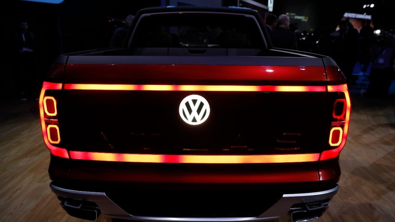 VW plans $23,000 electric rival to Tesla -source
