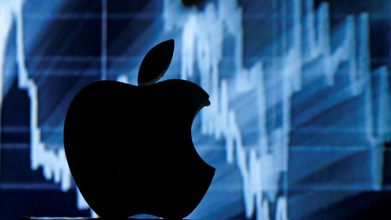 Apple drags shares on both sides of the Pacific