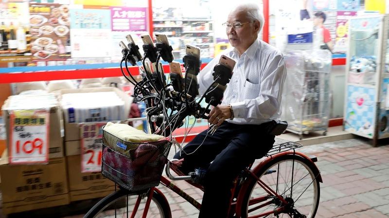 Pokemon grandpa's 15-phone rig may catch 'em all