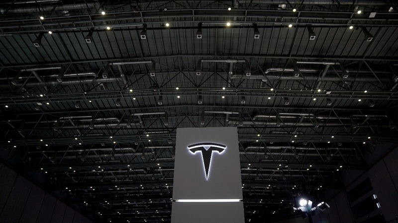 Tesla cuts China car prices amid trade war
