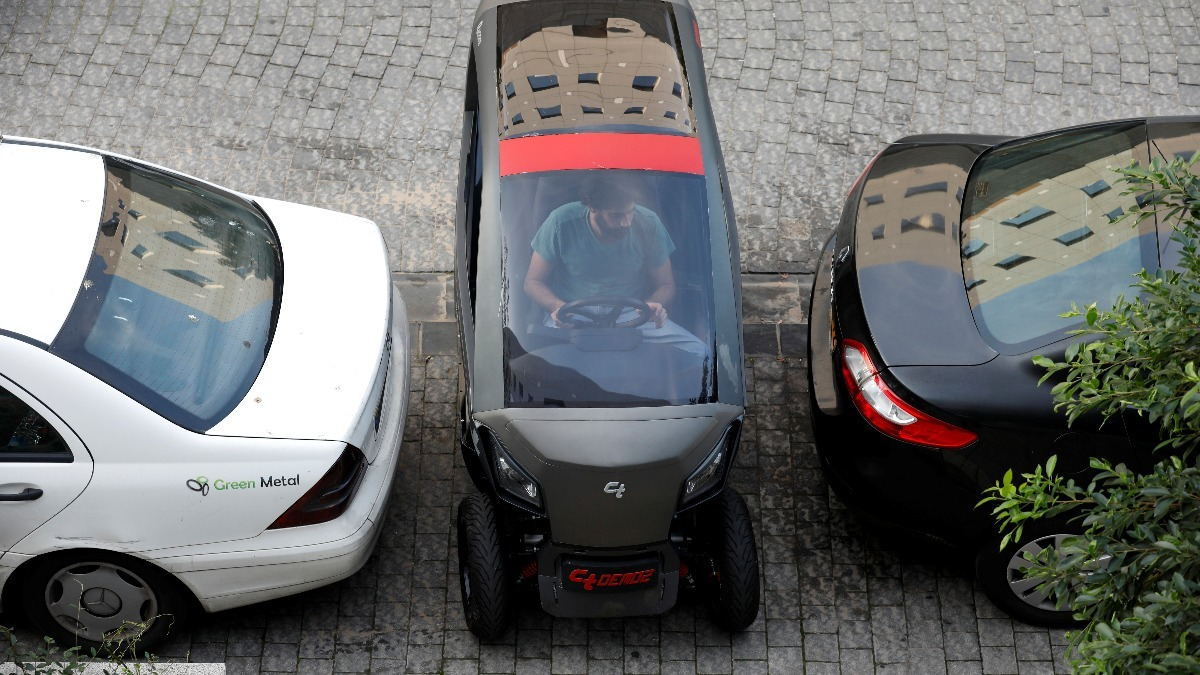 Hate parking? This car shrinks itself to fit - Reuters TV