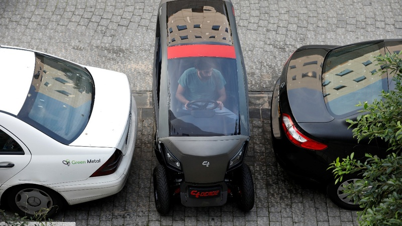 Hate parking? This car shrinks itself to fit