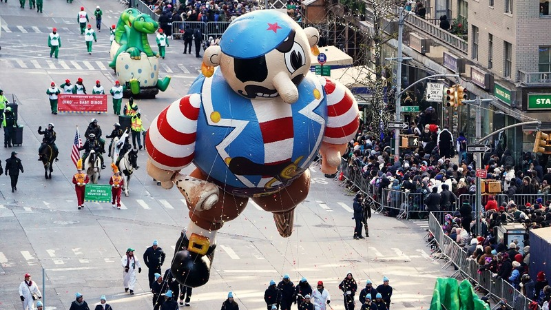 INSIGHT: Braving a cold NYC Thanksgiving Parade