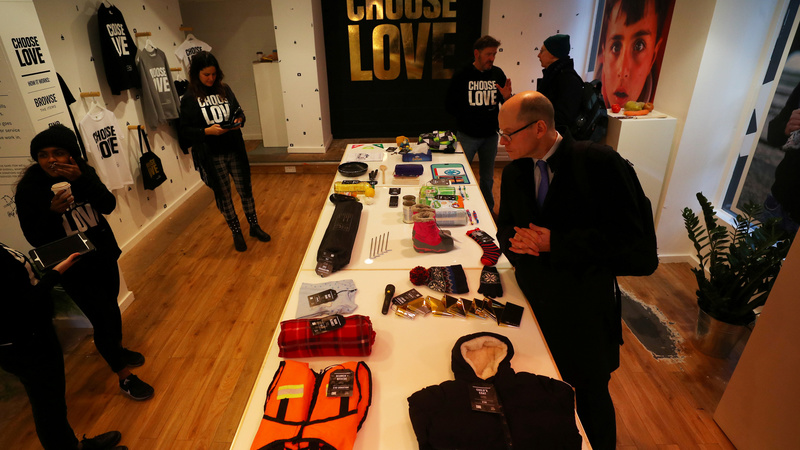 A London pop-up store sells gifts for refugees
