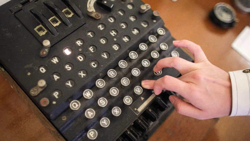 X-ray imaging reveals inside of Enigma machine