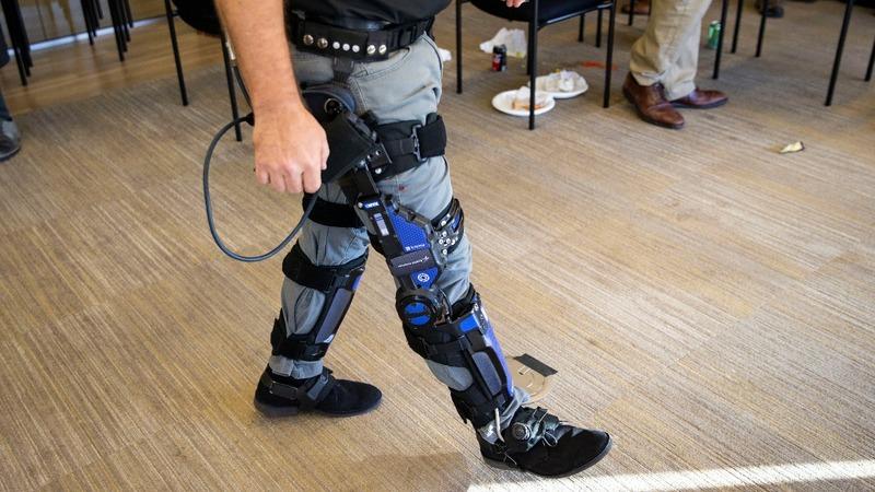 """Pentagon invests in """"super-soldier"""" exoskeletons"""