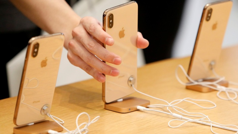 Chinese court sides with Qualcomm in dispute with Apple