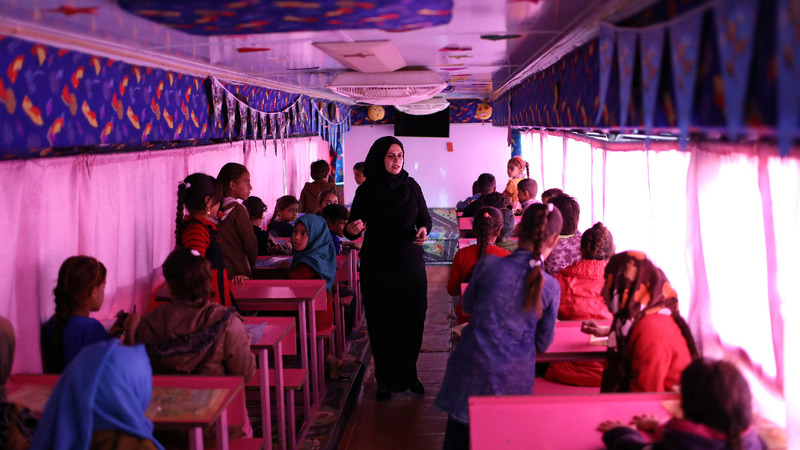 Bus-turned-classroom for Iraq's school dropouts
