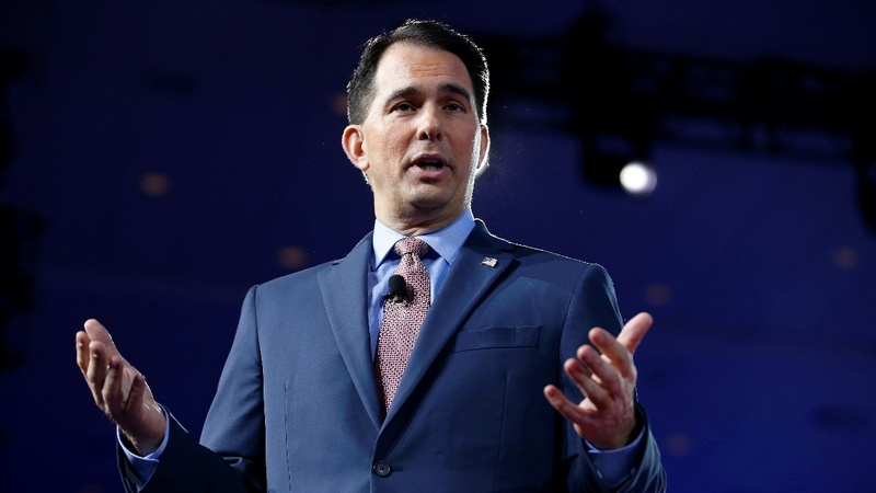 Republican governor curbs new leader's power