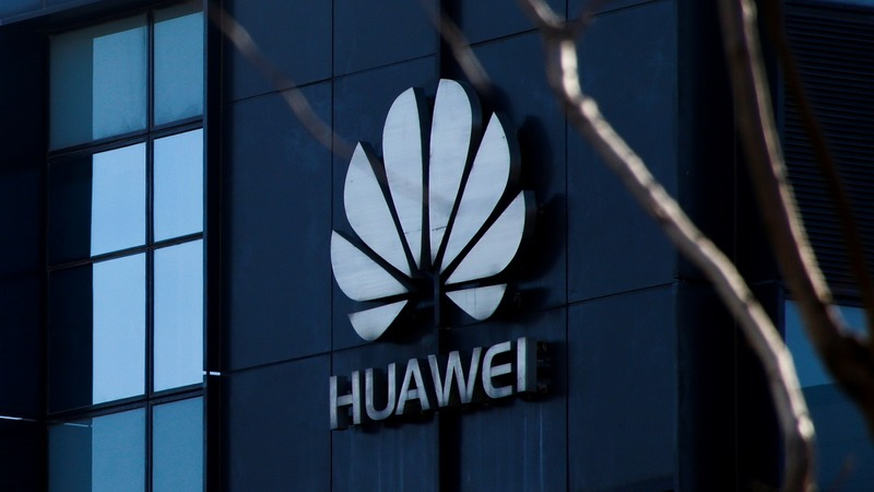 T-Mobile, Sprint consider dropping Huawei