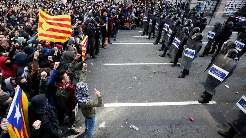Catalan separatists protest Spanish cabinet visit