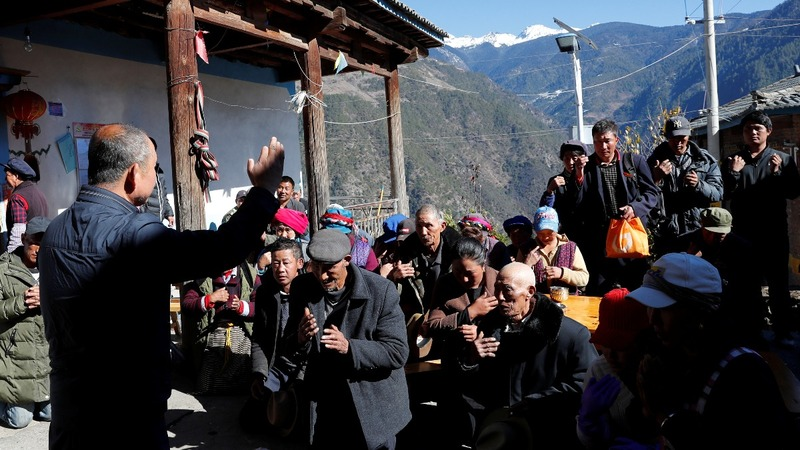 Tibetans celebrate Christmas amid faith crisis