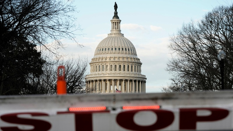 Congress returns to work as shutdown goes on