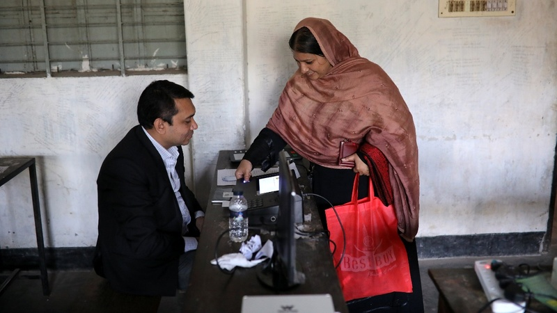 Bangladesh set to vote after violent campaign