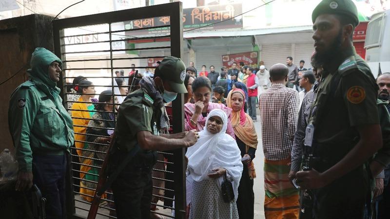 Bangladesh election violence kills 17 people