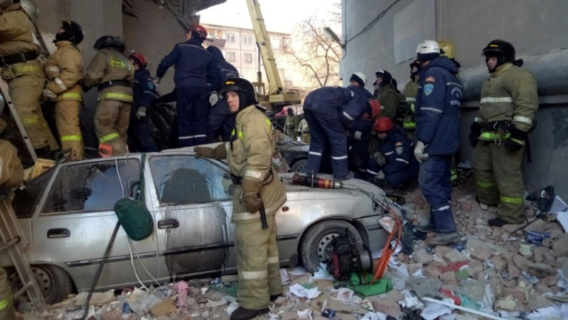 Baby pulled from the rubble of Russian building