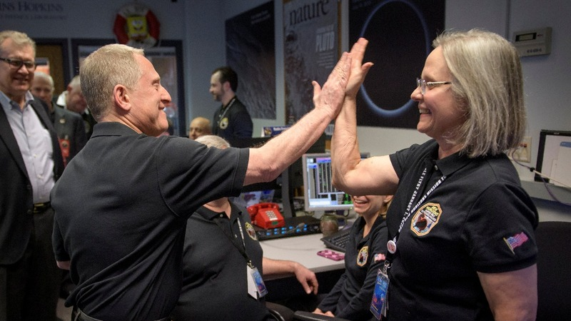 """NASA probe """"phoned home"""" from beyond Pluto"""