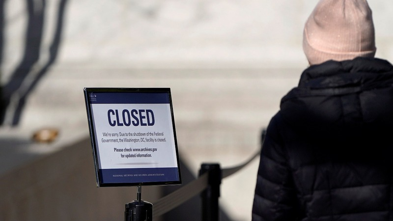 From dirty parks to shut museums, shutdown impact widens