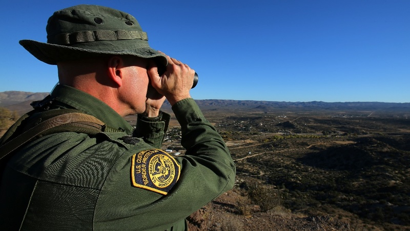 Trump sees border 'crisis' despite drop in crossings